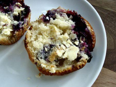 concord grape muffins